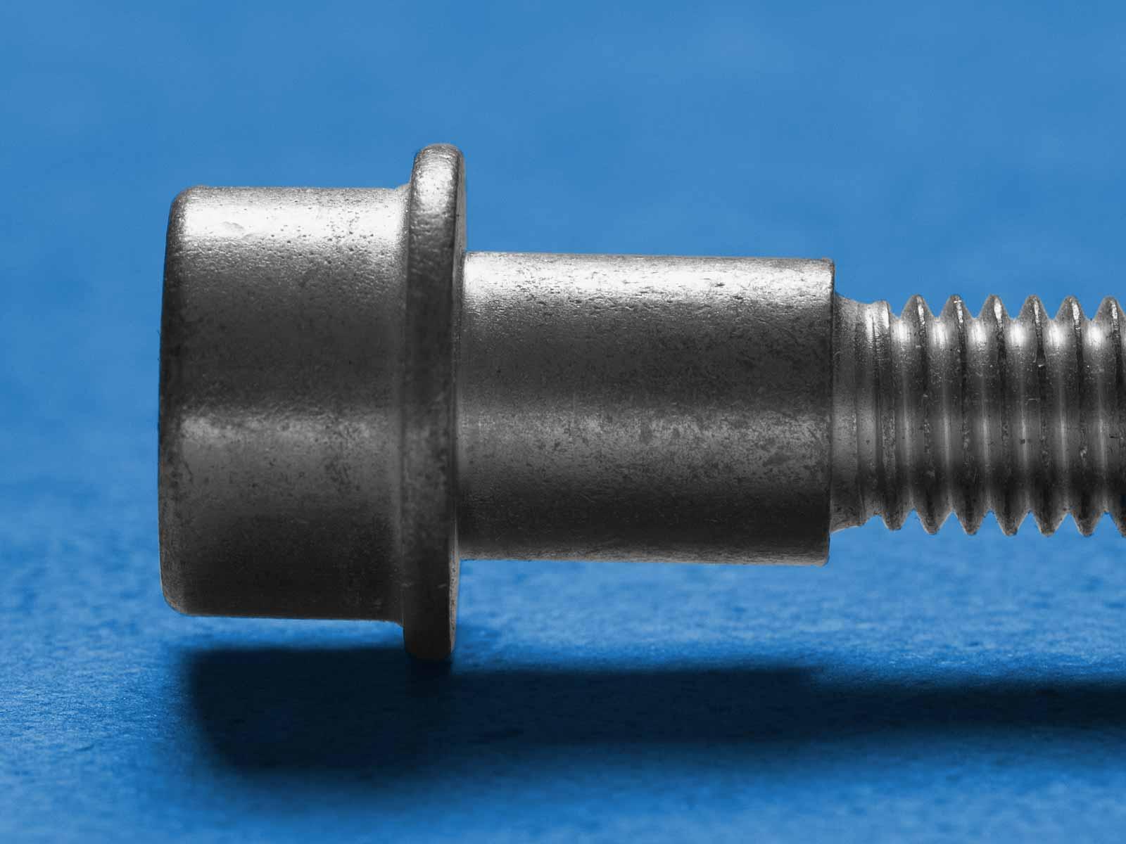 Schrauben mit Bund • Frey Schrauben GmbH